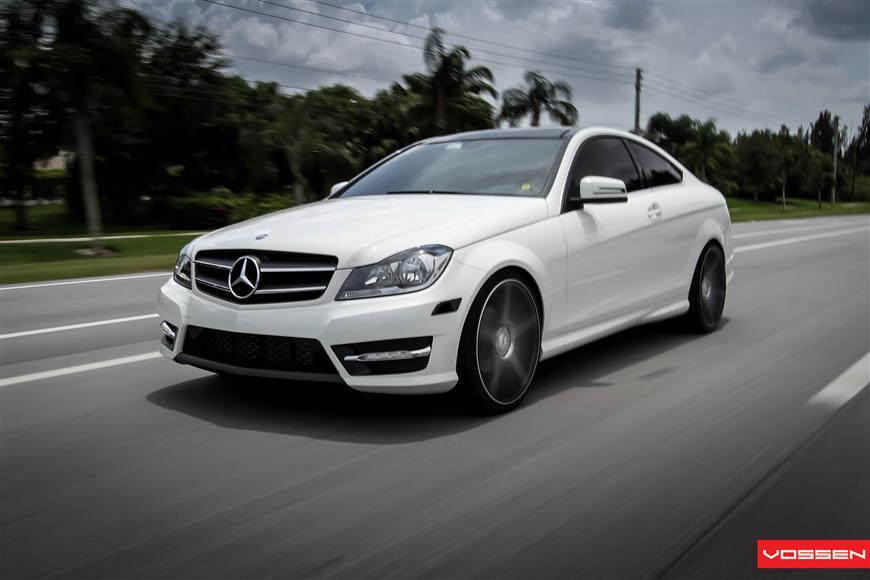 Mercedes e Class Coupe Black Mercedes C-class Coupe Gets
