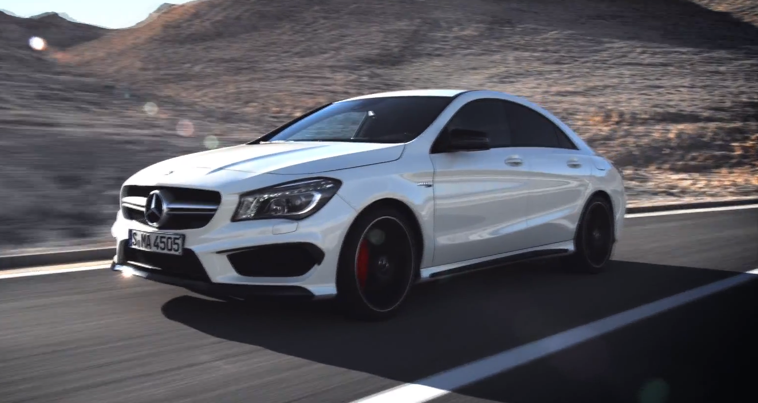 mercedes cla 45 amg makes dynamic video debut autoevolution. Black Bedroom Furniture Sets. Home Design Ideas