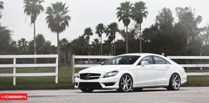 Mercedes CLS63 AMG on CV7 Vossen Wheels
