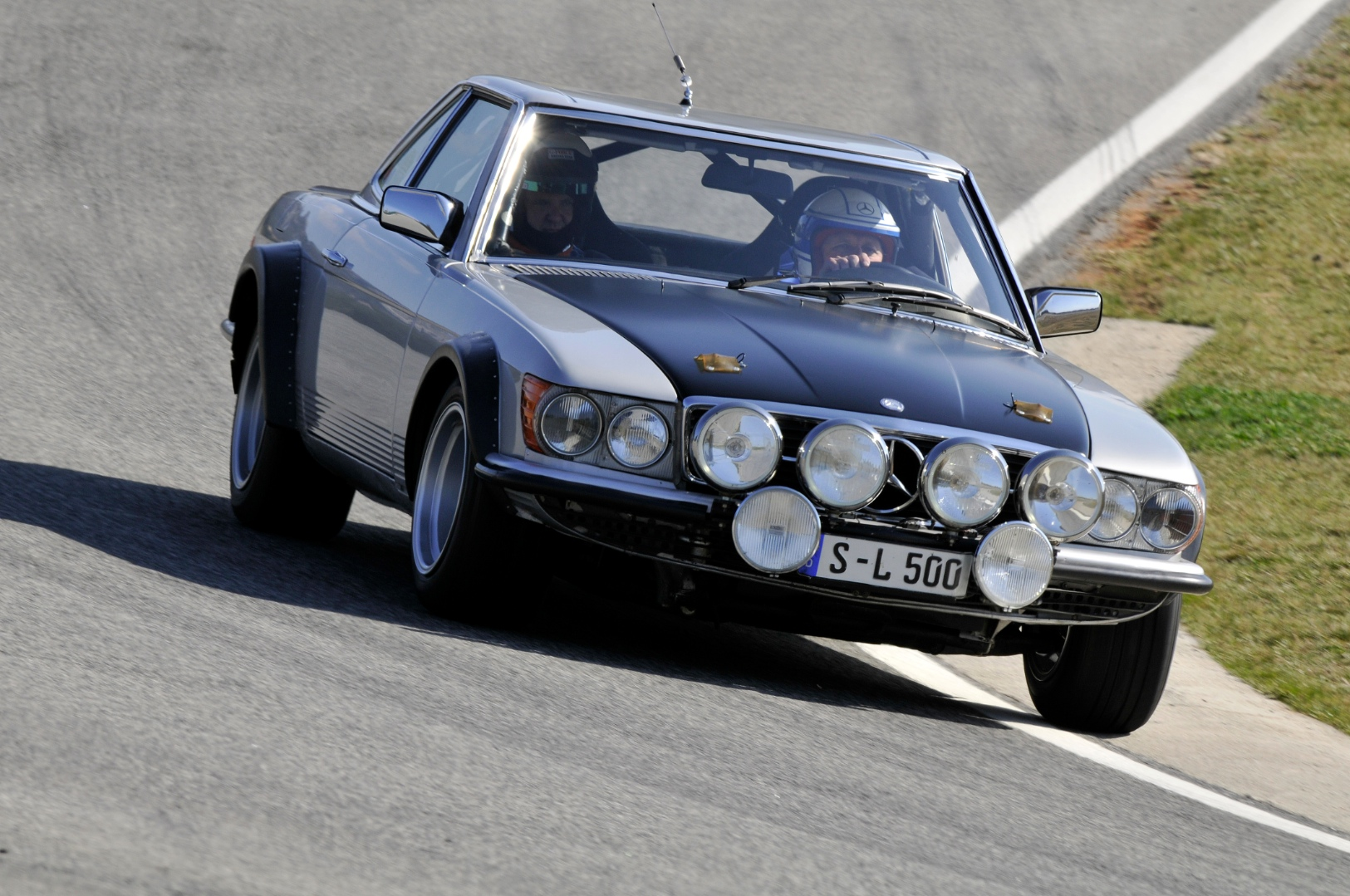 Mercedes featured a classic 500 sl at the 2013 adac eifel for Rally mercedes benz