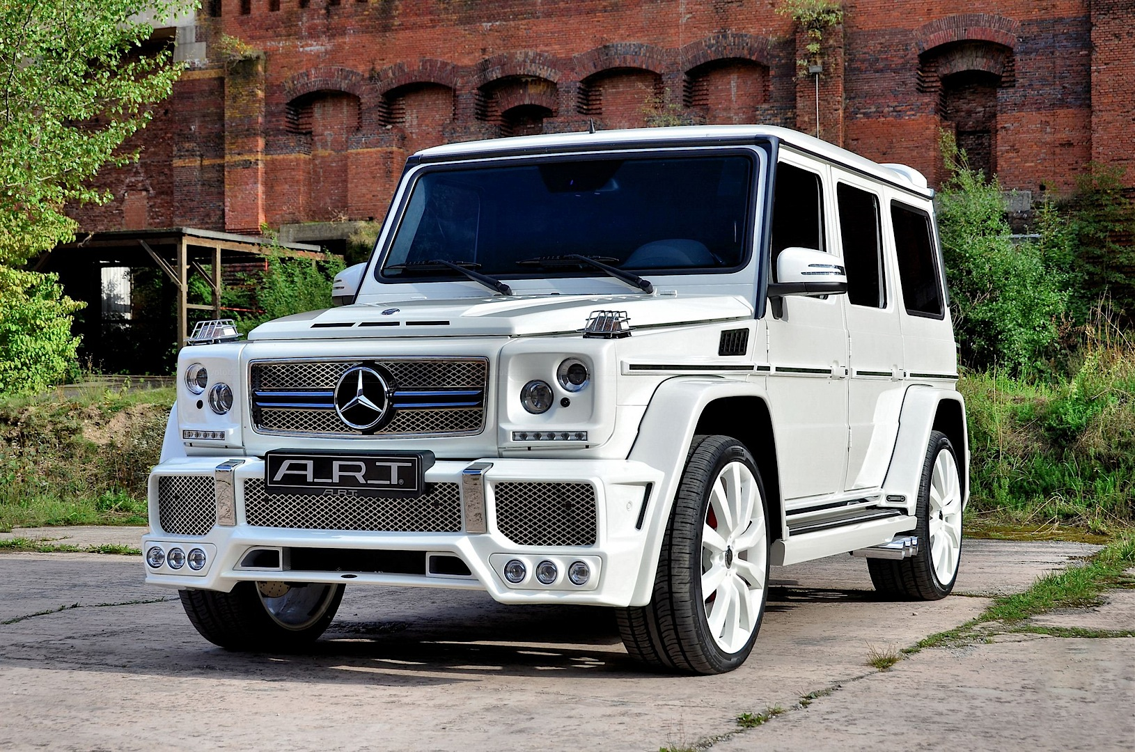Mercedes g class by a r t is brutally ugly packs 750 hp for Mercedes benz 750