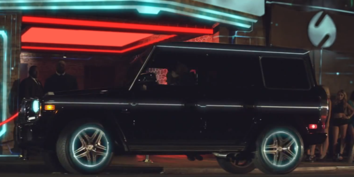 Mercedes g wagon has tron glow in chris brown 39 s love more for Mercedes benz glowing star