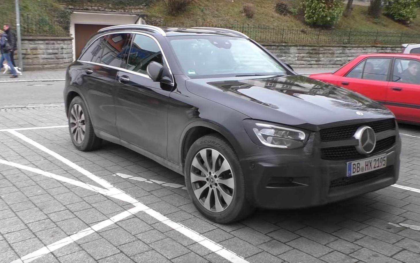 2020 Mercedes Glc Facelift Spied In Detail Shows Interior