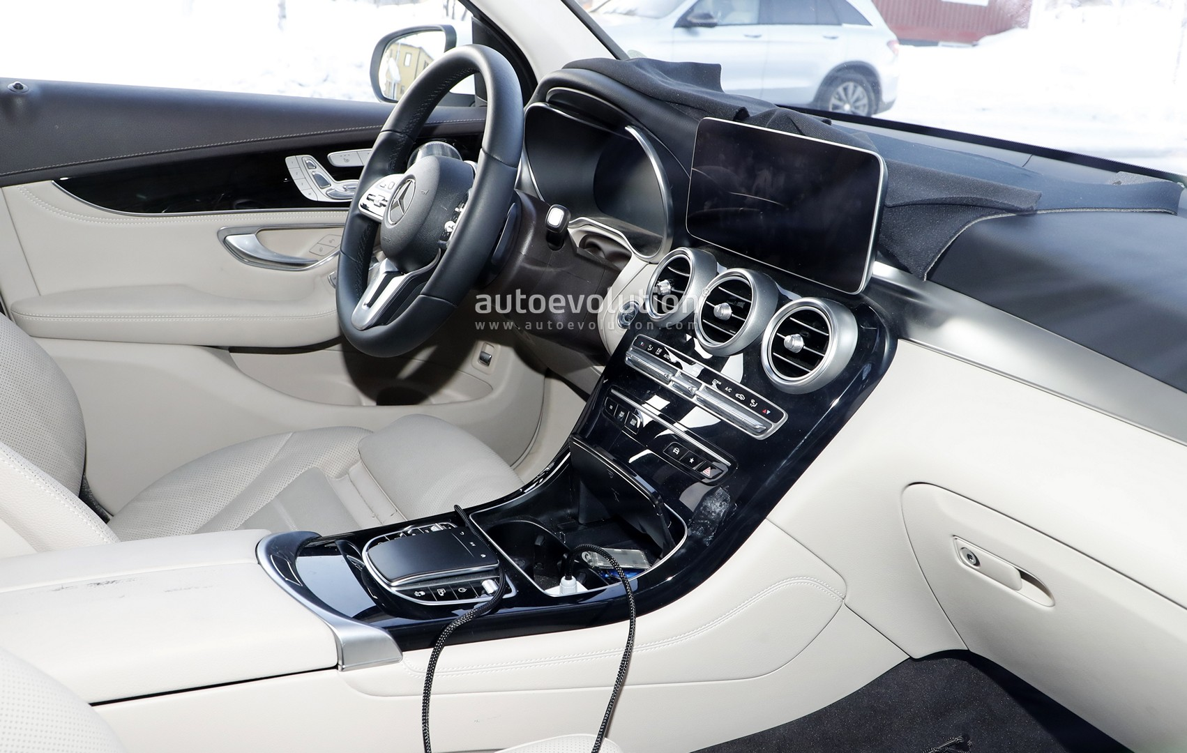 Mercedes GLC Facelift Spied, Reveals Interior Changes