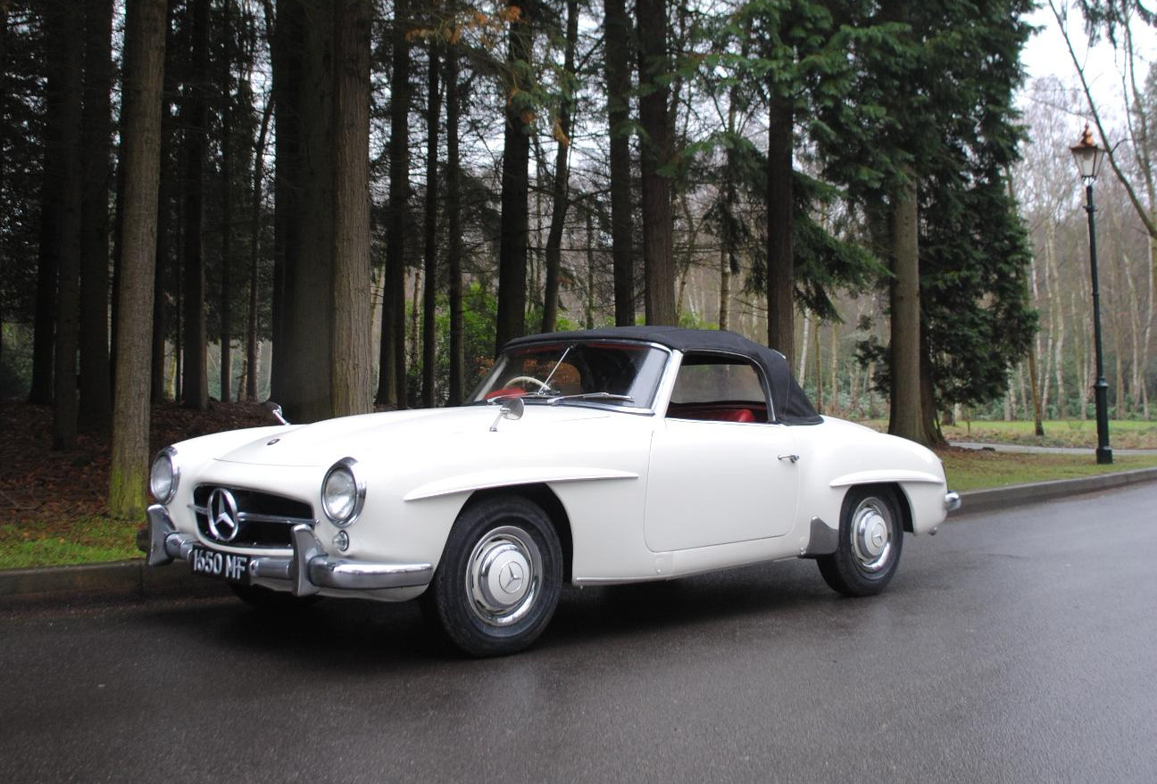 Mercedes models covering 50 years coming to historic for Mercedes benz old models