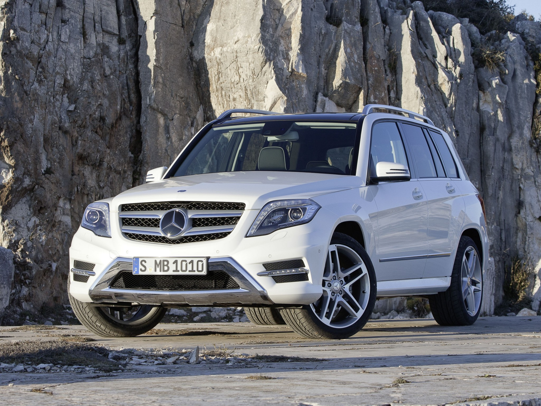 Mercedes Planning Glk 63 Amg Using 4 Liter Twin Turbo V8