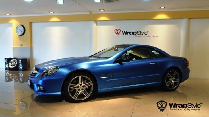 Mercedes R230 SL in Matte Electric Blue