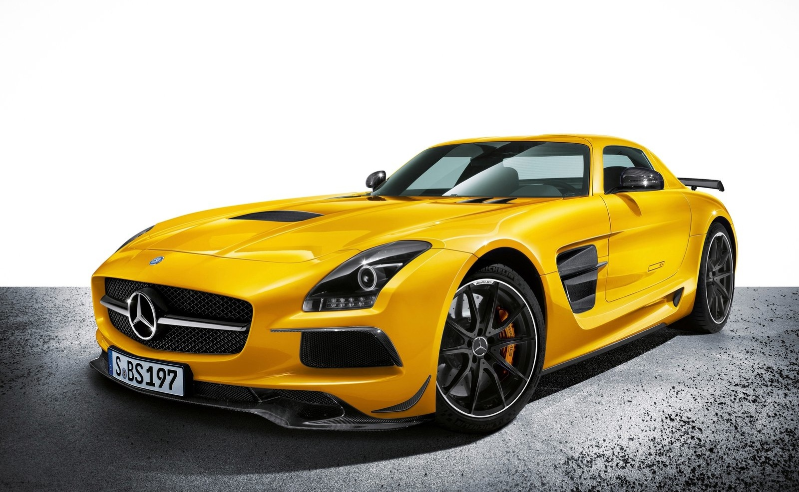 mercedes sls amg black series debuts in la sls amg gt us pricing announced. Black Bedroom Furniture Sets. Home Design Ideas