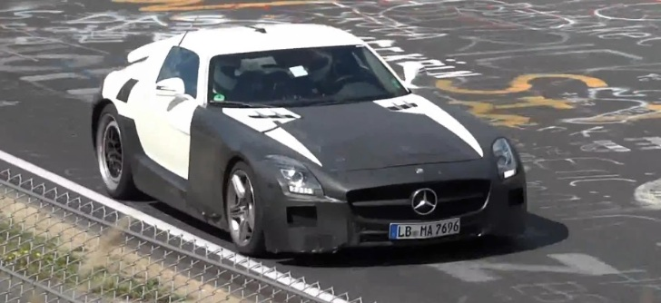 Mercedes SLS AMG Black Series Spied at the 'Ring [Video]