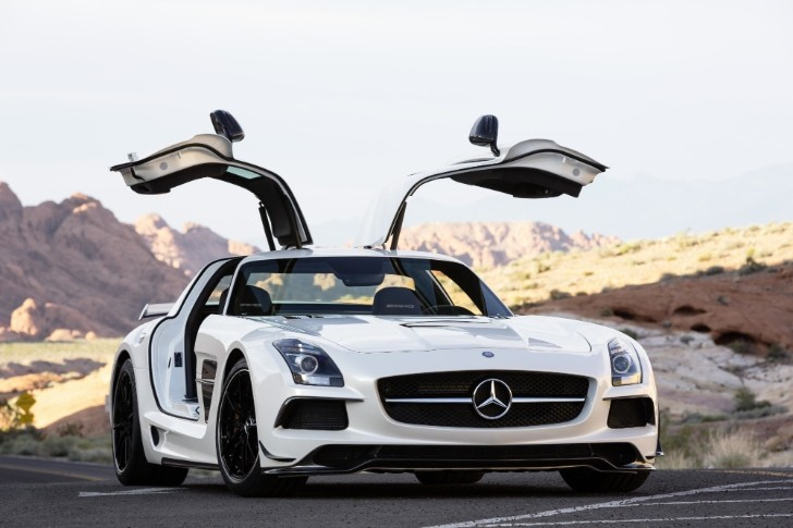 Mercedes SLS AMG UK Lineup Unveiled