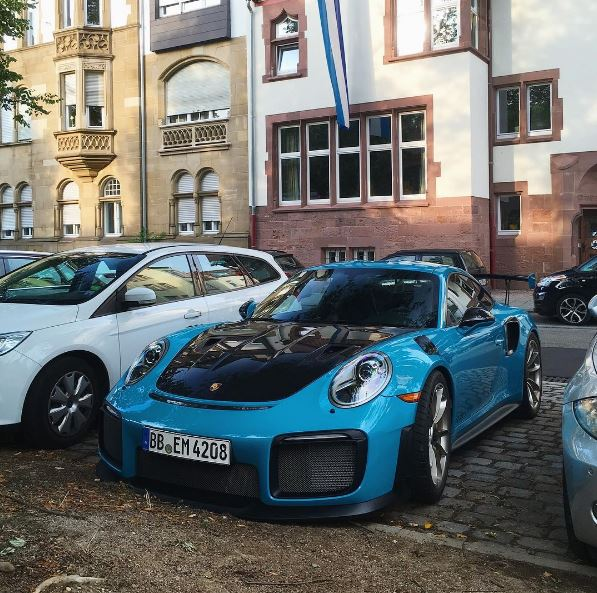miami blue 2018 porsche 911 gt2 rs is an us spec jewel autoevolution. Black Bedroom Furniture Sets. Home Design Ideas