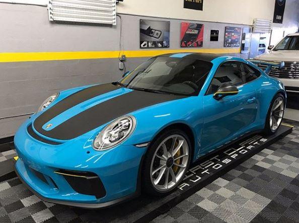 miami blue 2018 porsche 911 gt3 gets gt2 rs weissach package sticker set autoevolution. Black Bedroom Furniture Sets. Home Design Ideas