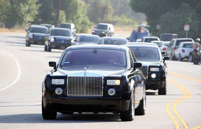 Michael Jackson's Motorcade Sponsored by Range Rover, Rolls Royce -  autoevolution