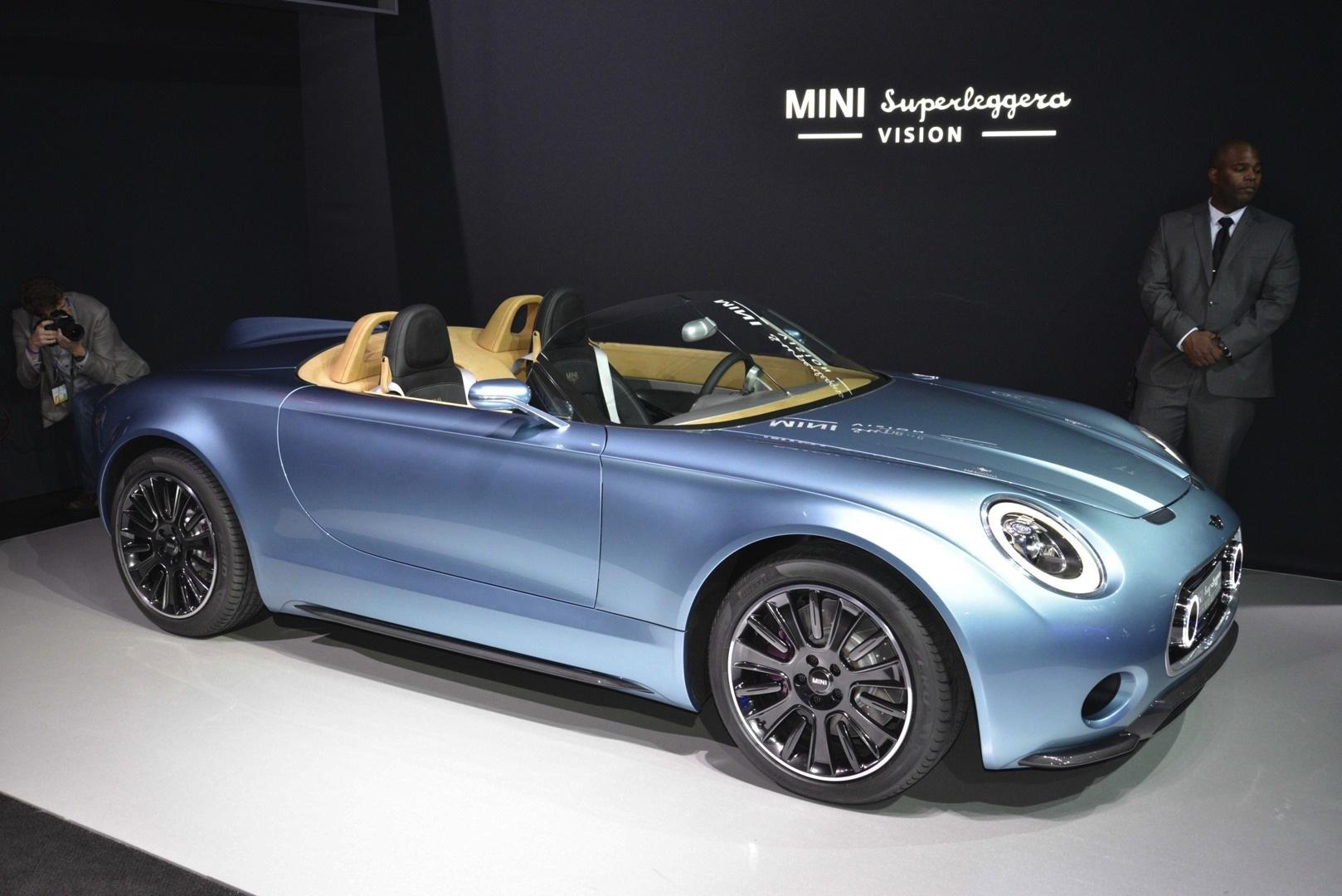 Mini 5 Door Hardtop Premieres At La Auto Show Superleggera Steals
