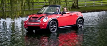 MINI Convertible Boat Makes a Splash