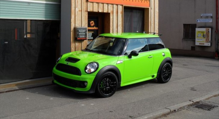MINI Cooper S Comes in Ooze Green [Photo Gallery]
