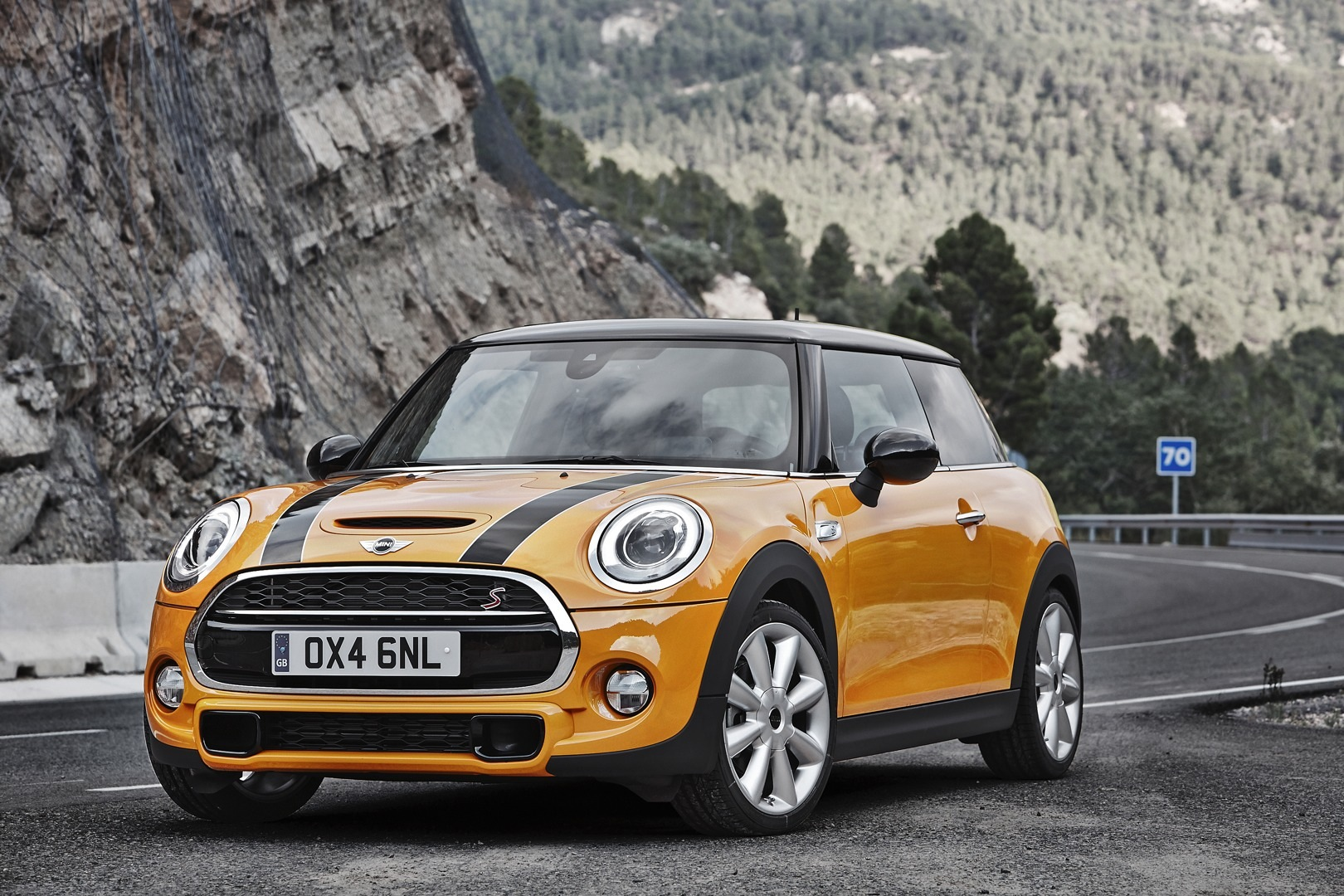 mini cooper s one of the most wanted cars of 2014. Black Bedroom Furniture Sets. Home Design Ideas