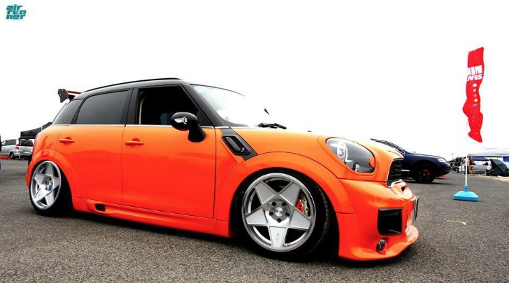MINI Countryman Rides on Air Suspension and 3DSM Wheels