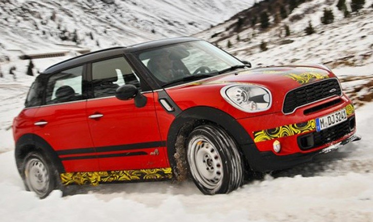 MINI Coutryman JCW Will Debut at 2012 Geneva Show