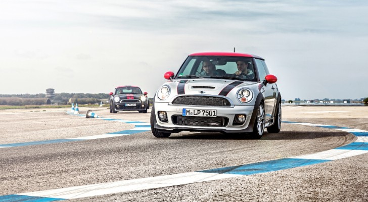 MINI Driving Experience Announces Customized Programs