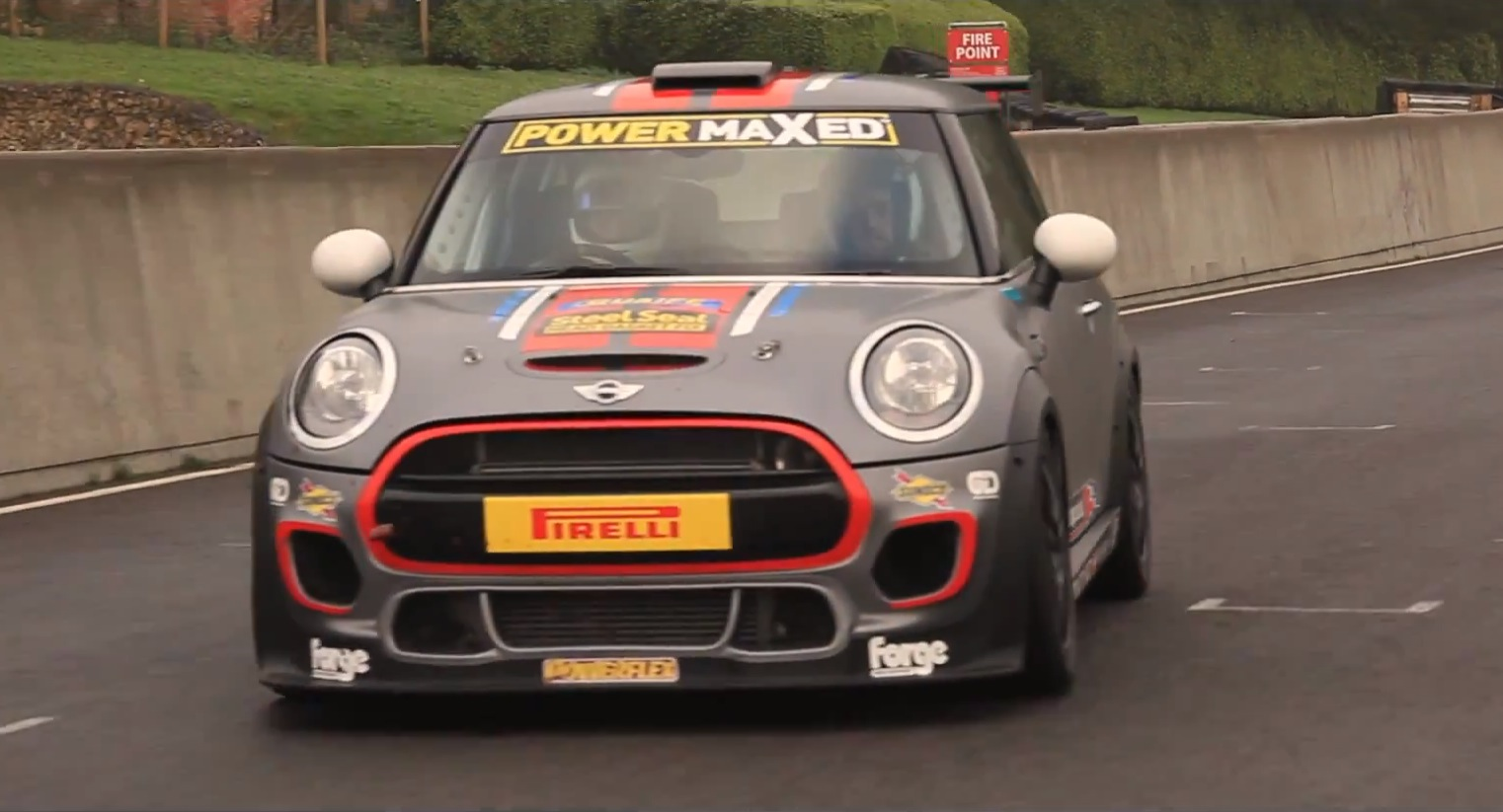 MINI JCW What? This Is the Real Go-Kart Experience - autoevolution
