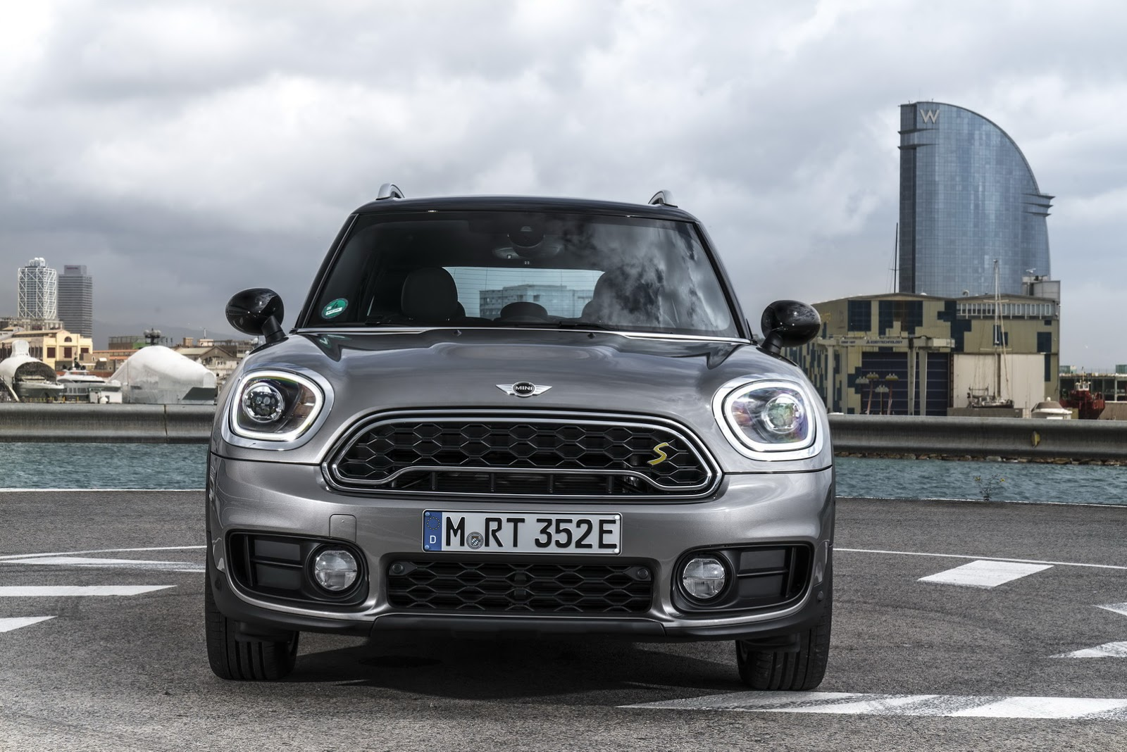 Mini Launching Countryman Plug In Hybrid In The Uk At Goodwood