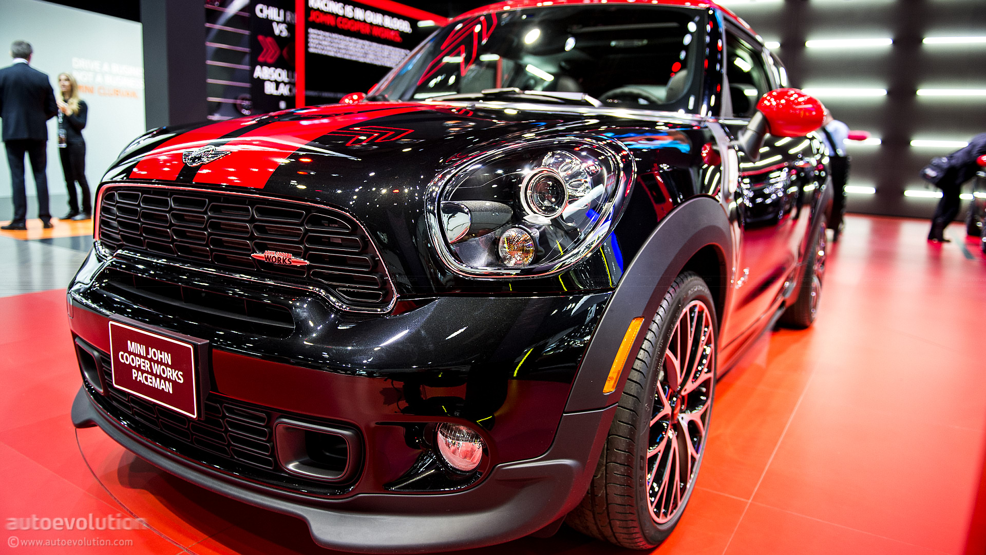 mini paceman jcw first drive by top gear autoevolution. Black Bedroom Furniture Sets. Home Design Ideas