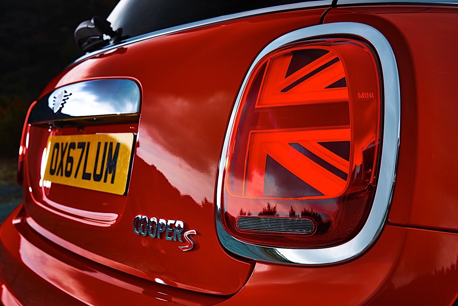 mini union jack tail lights now available for pre facelift. Black Bedroom Furniture Sets. Home Design Ideas