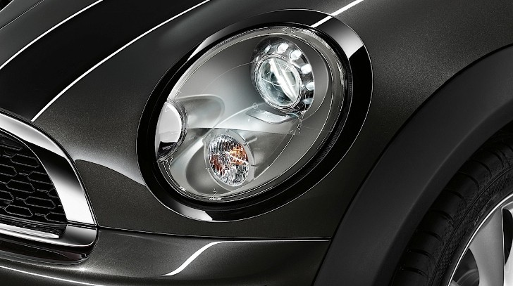 MINI Will Introduce Retrofit Xenon Headlamps at 2013 IAA