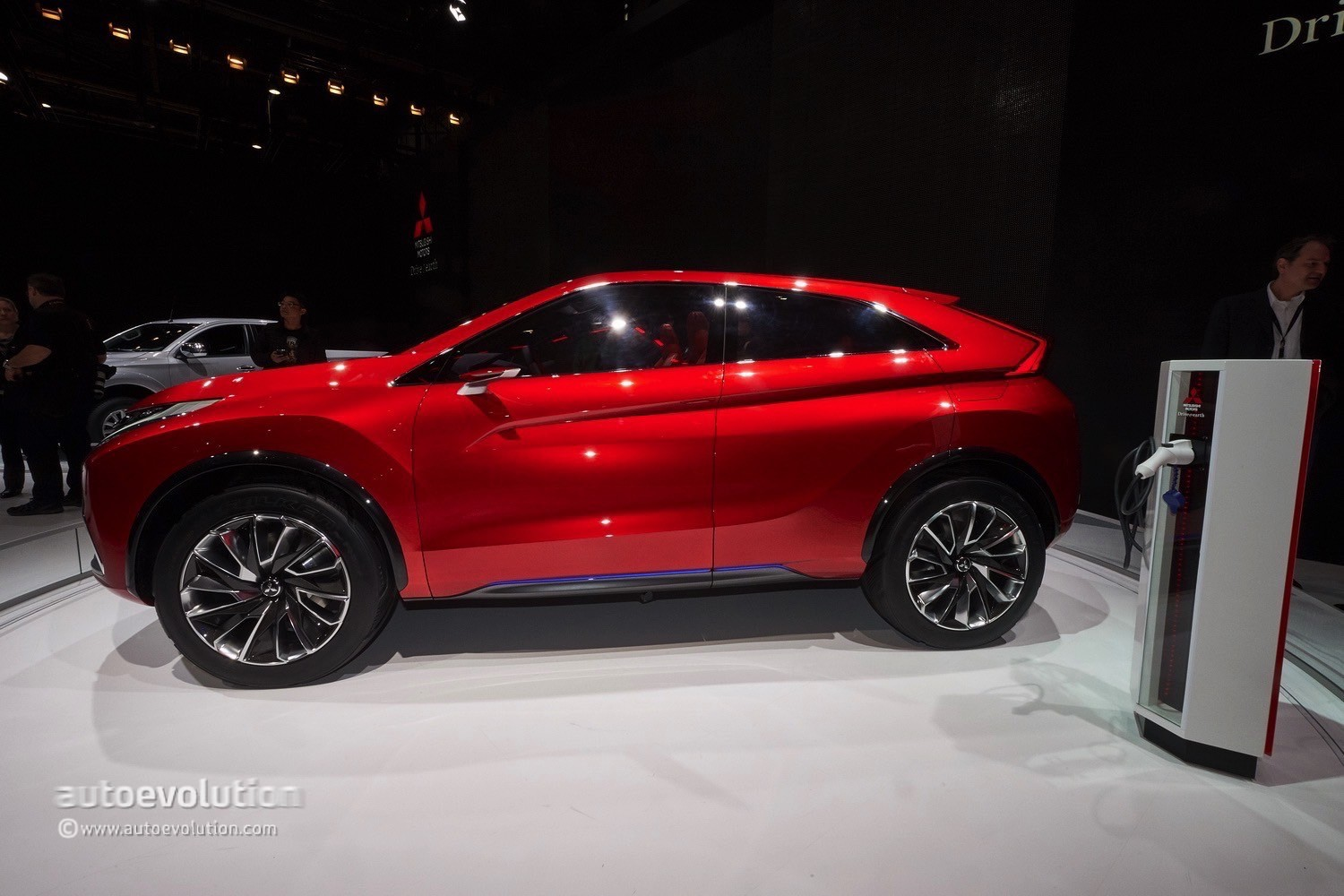 Mitsubishi Confirms Cuv Coupe For 2017 Will Slot Above