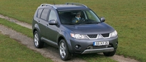 Mitsubishi Recalls 200,000 Faulty SUVs