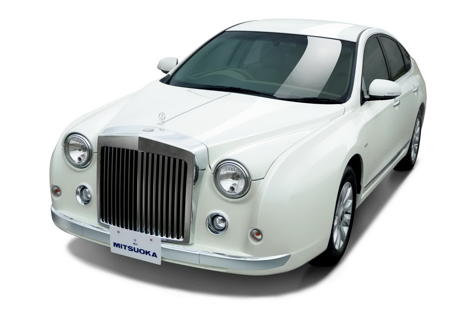 Mitsuoka launches galue limousine in japan autoevolution