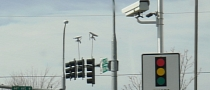 Most US Drivers Support Use of Red Light Cameras, Survey Shows
