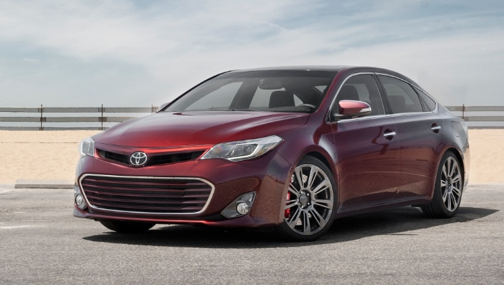 motor trend tests 2013 toyota avalon trd. Black Bedroom Furniture Sets. Home Design Ideas