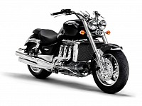 Triumph Rocket III, 2297 cc of brute force
