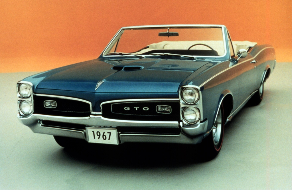 Muscle Cars History The Pontiac Gto 5493 on the 1962 pontiac tempest a car with half of an engine
