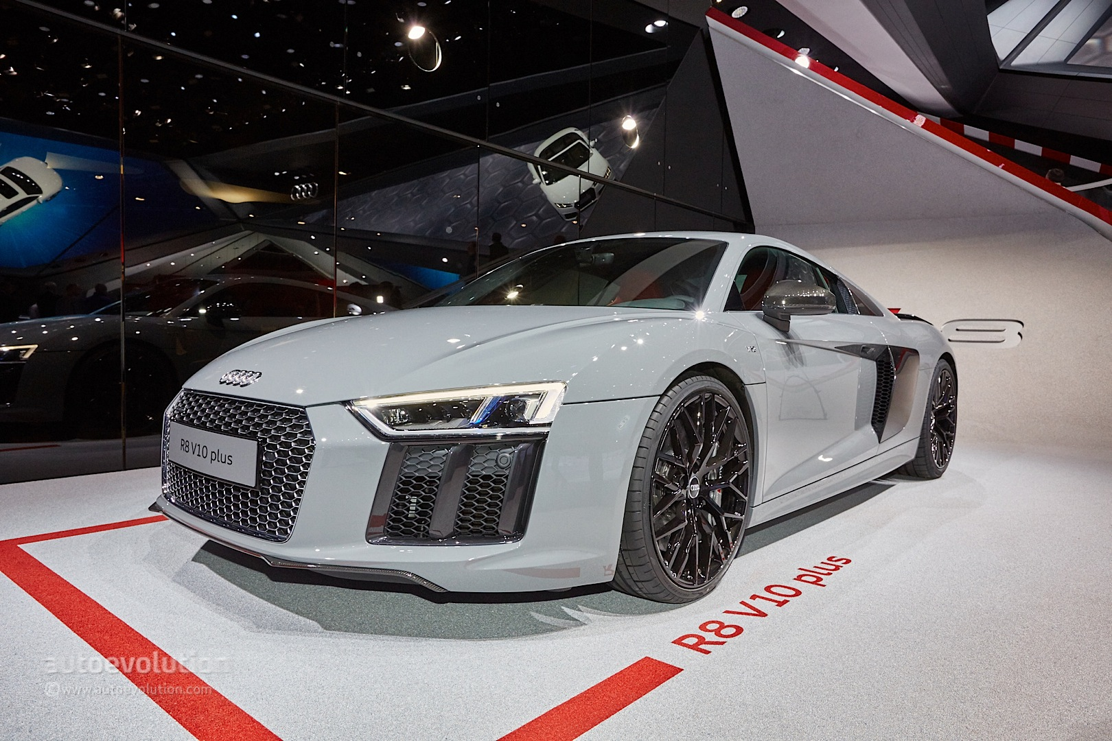 Nardo Gray Audi R8 V10 Plus Shows The Exclusive Side Of