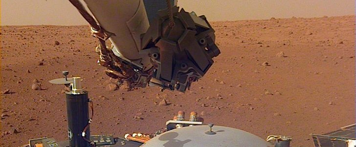 NASA InSight Sends Back New High-Res Photos from Mars