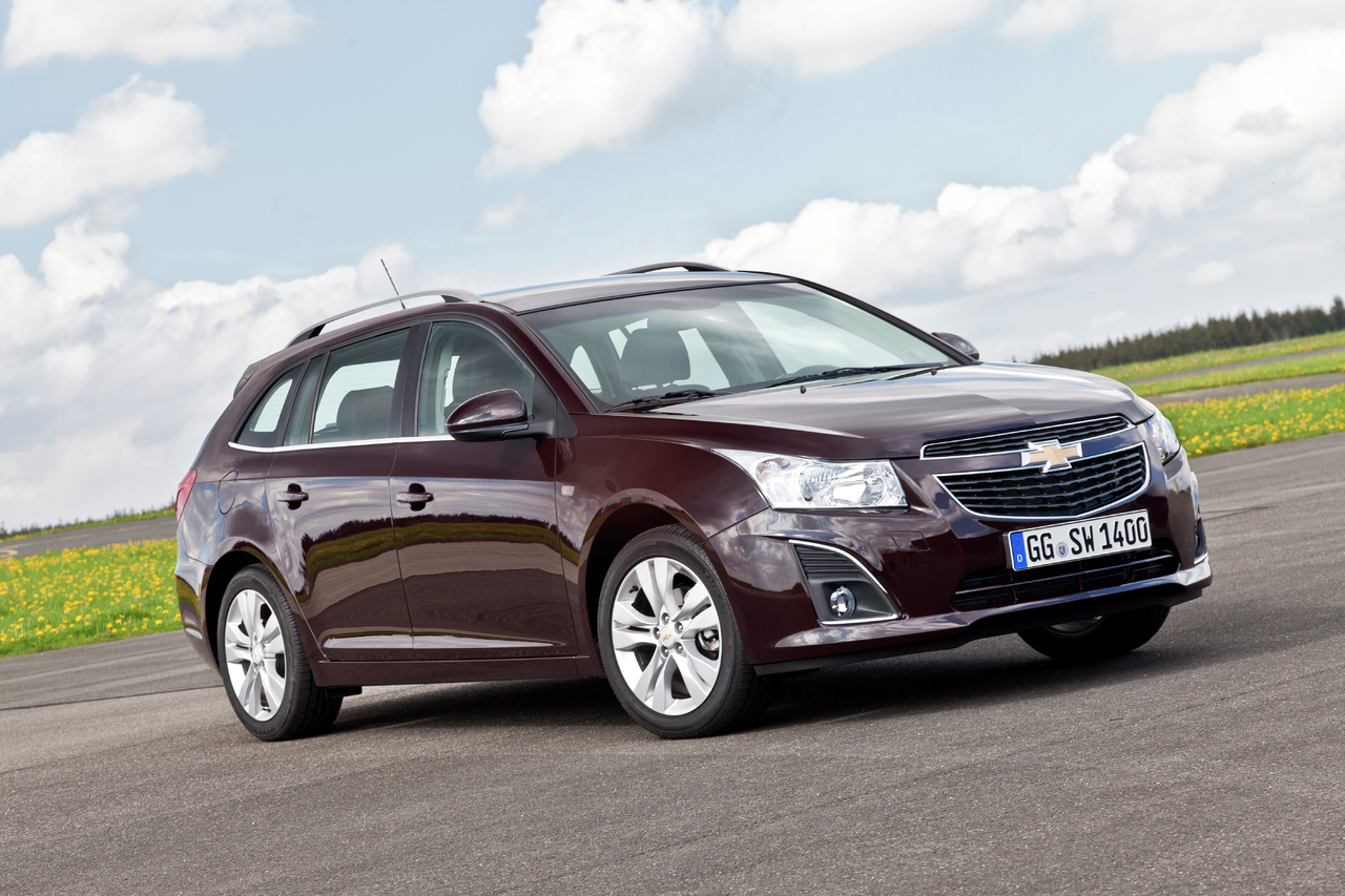 new chevrolet cruze station wagon uk pricing autoevolution. Black Bedroom Furniture Sets. Home Design Ideas