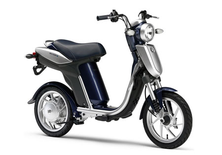 new electric scooter from yamaha ec 03 autoevolution. Black Bedroom Furniture Sets. Home Design Ideas