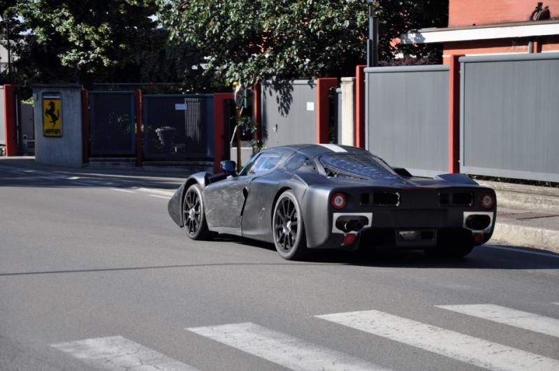 New Ferrari Enzo F70 Spied In Maranello Autoevolution