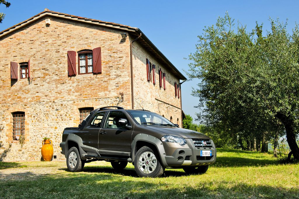 new fiat strada pickup in italy autoevolution. Black Bedroom Furniture Sets. Home Design Ideas