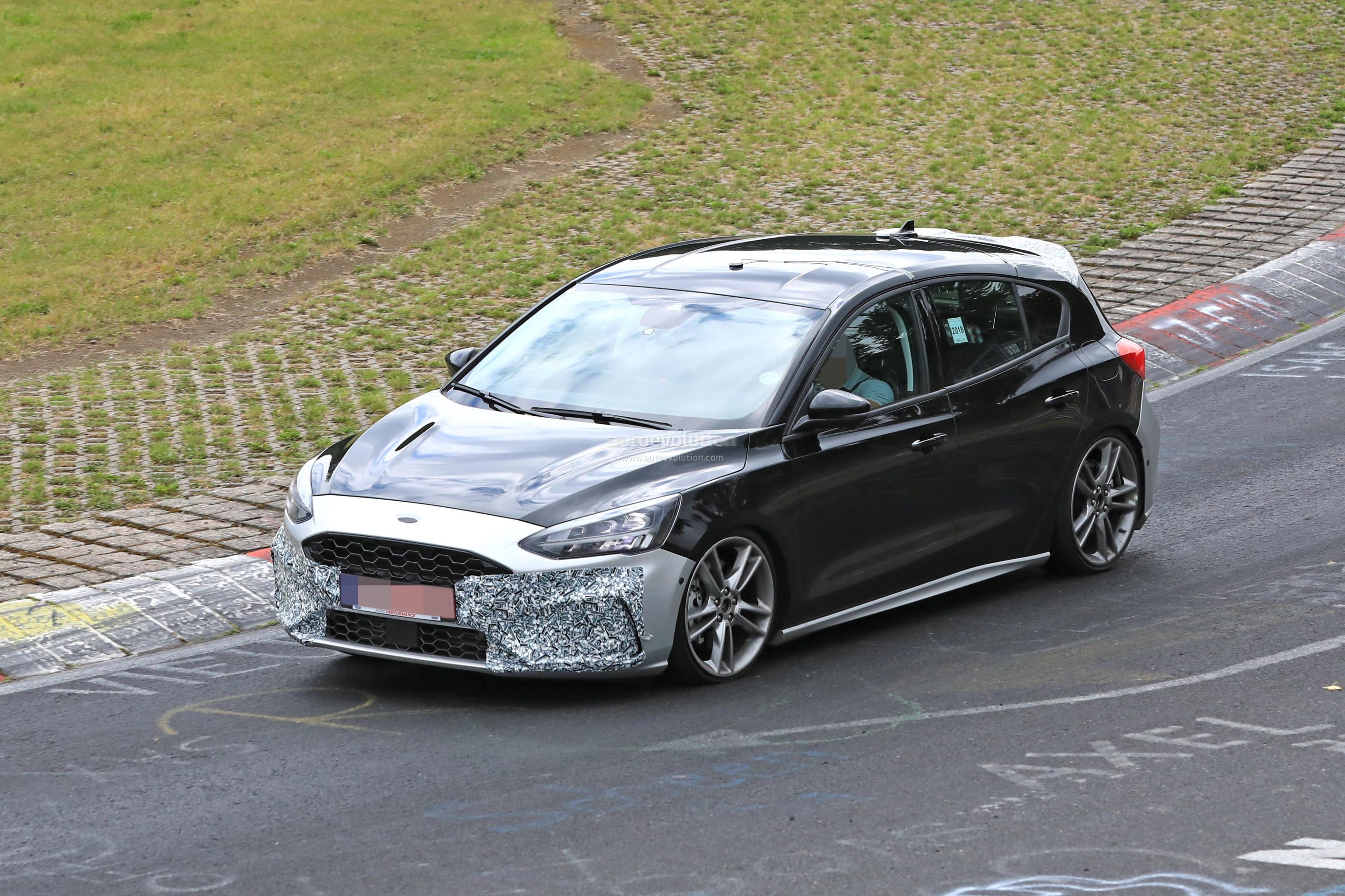 2018 - [Ford] Focus IV - Page 13 New-ford-focus-st-hits-nurburgring-will-offer-20l-turbo-and-automatic-127877_1