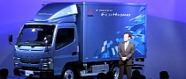 New Fuso Canter Hybrid Truck with Dual-Clutch Transmission Revealed[Video]