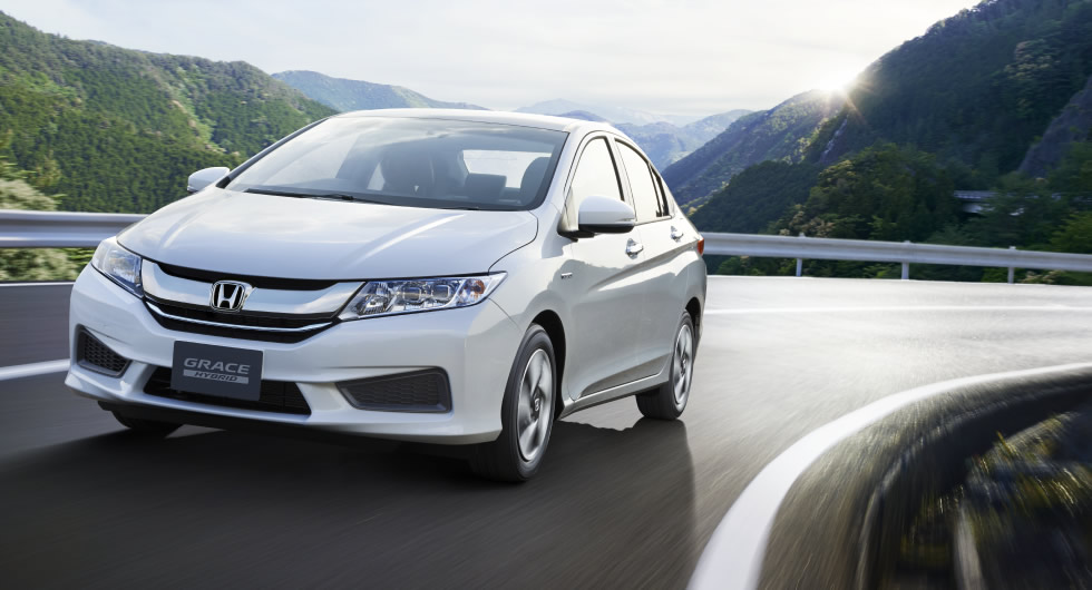 new car launches in japanNew Honda Grace Hybrid Sedan Launched in Japan Likely Based on