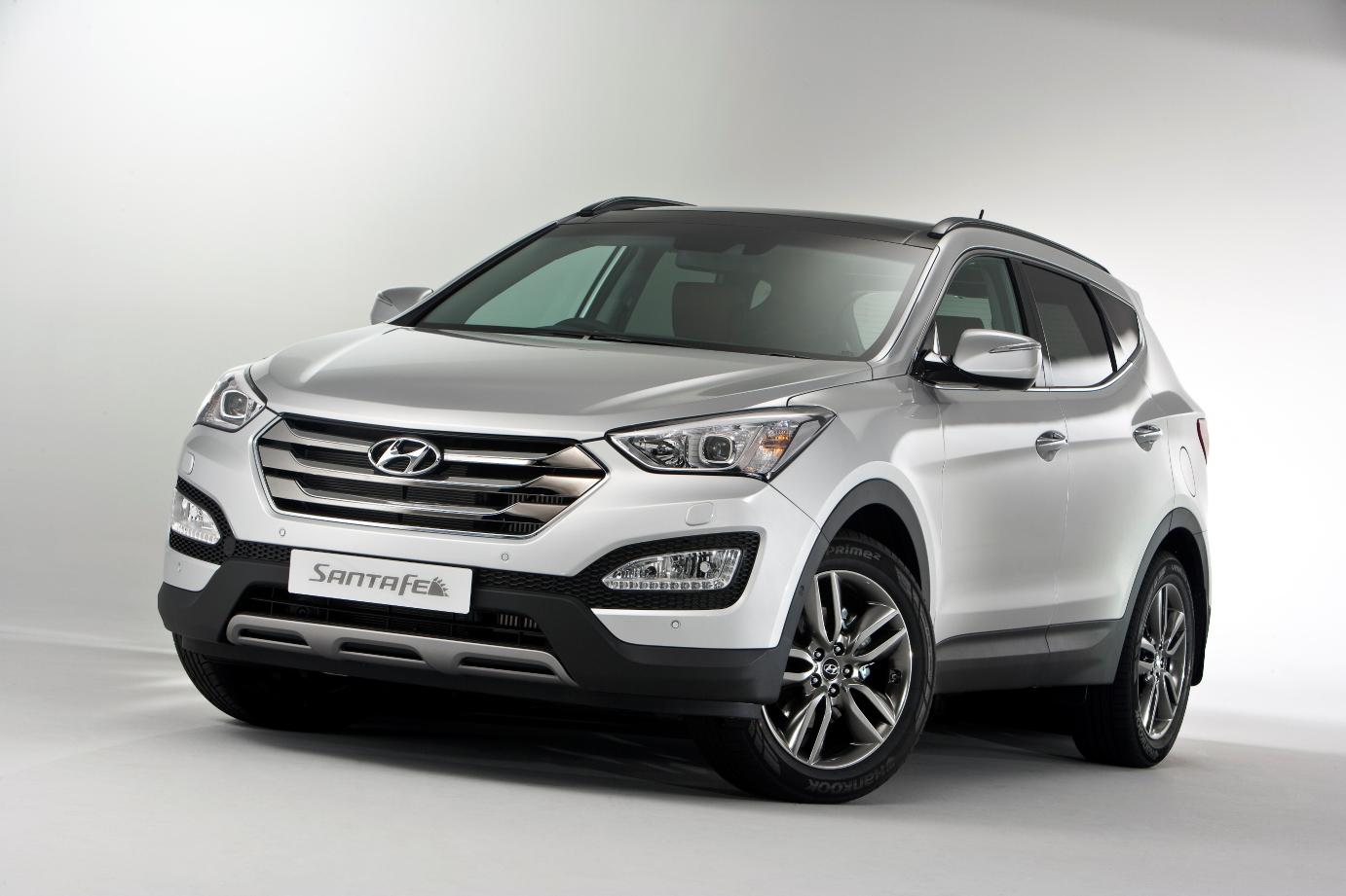 new hyundai santa fe uk pricing announced autoevolution. Black Bedroom Furniture Sets. Home Design Ideas