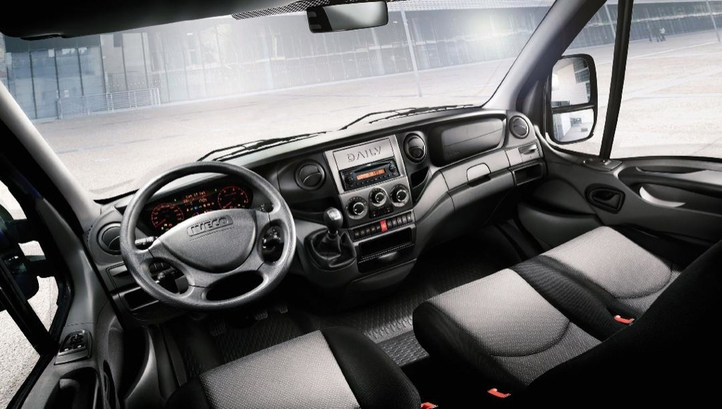 New iveco daily range coming to the uk in november 2011 for Interieur tuning shop