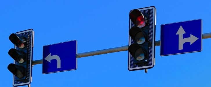New Law Will Allow Drivers To Drive On Red Light In Ohio ...