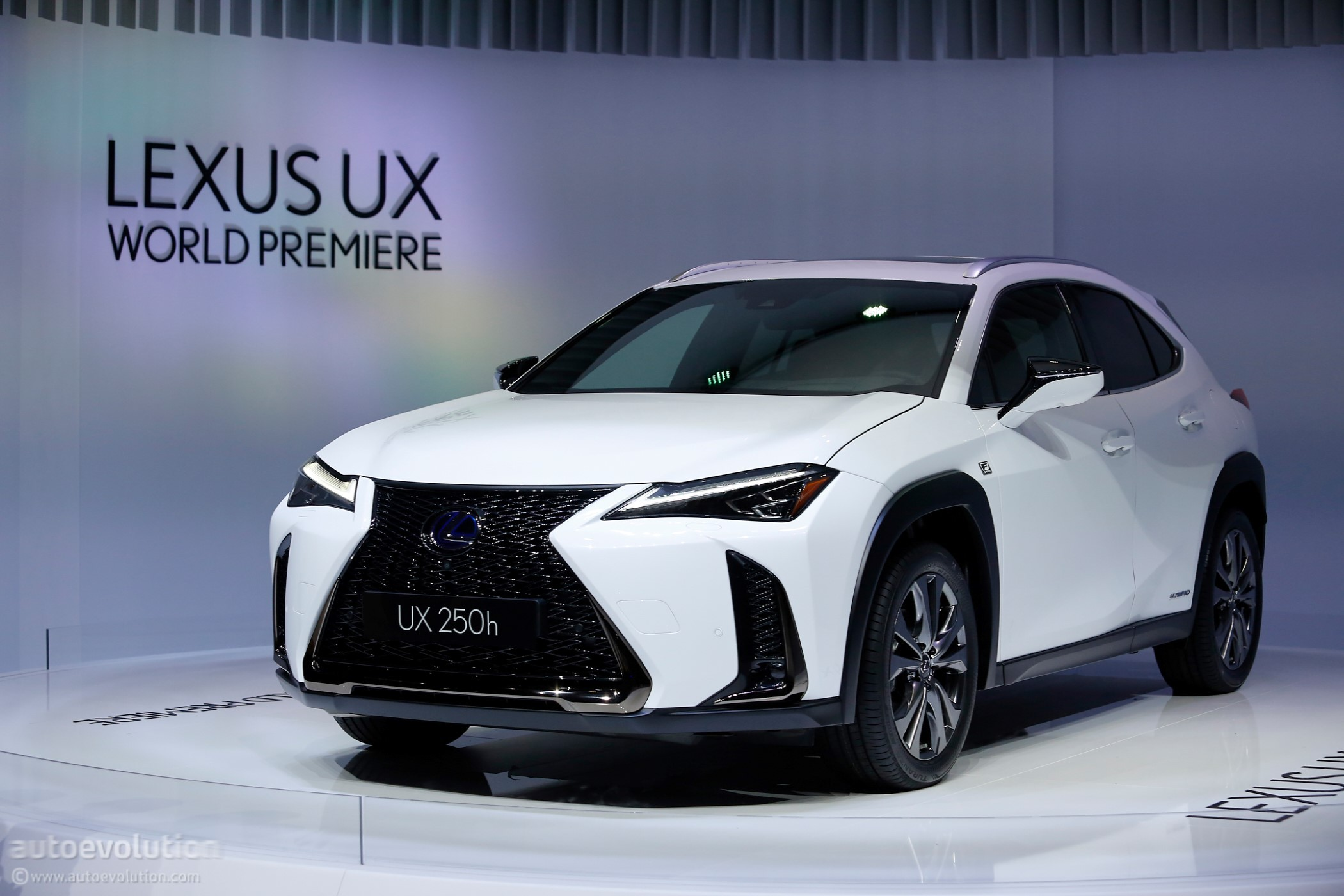 new lexus ct tipped to arrive in 2020 with hybrid and electric propulsion