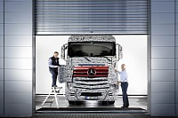 New Long-distance Mercedes-Benz Actros in disguise